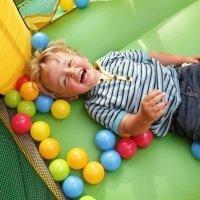 A qué juegan los bebés en la Escuela Infantil. Vídeo en 360º