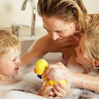 Mostrarnos desnudos delante de los hijos: ¿sí o no?