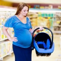 Cómo sostener la silla del bebé para el coche para evitar lesiones en la espalda