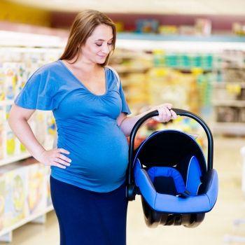 Cómo sostener la silla del bebé de forma correcta