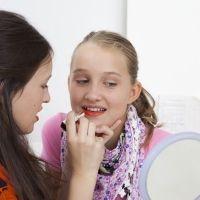 El peligro de vestir a las niñas como adolescentes