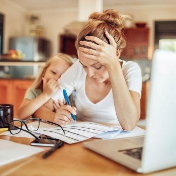 Ser madre equivale a tener dos trabajos y medio, según un estudio
