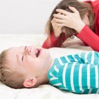 Qué hacer si el niño lo pide todo gritando y llorando