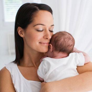 Qué pasa en el cerebro del bebé si no recibe cariño