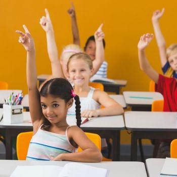 Cómo sentar a los niños para que atiendan en clase