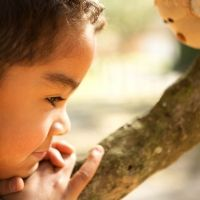 El regalo más hermoso que nunca un niño recibió: la voz de su madre