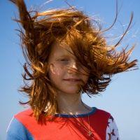 Los terroríficos peligros del viento para los niños que todo padre debe conocer