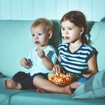 Los astutos trucos que usan los anuncios para hipnotizar a tu hijo