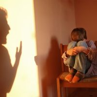 Los 3 tipos de violencia psicológica que destruyen a los niños