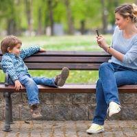 El ojo y la cámara de los padres siempre sobre los hijos