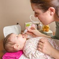 Cómo limpiar la nariz del bebé