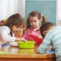 9 manualidades de plástico para hacer con niños