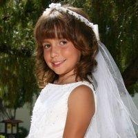 Ideas de peinados de Primera Comunión para niñas