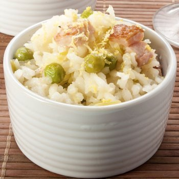 Risotto con guisantes y bacon