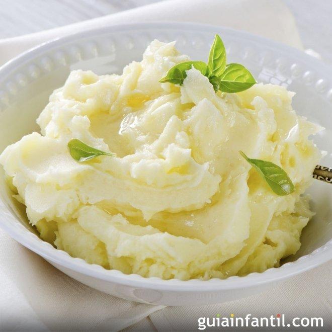 Puré de patata con margarina para los niños