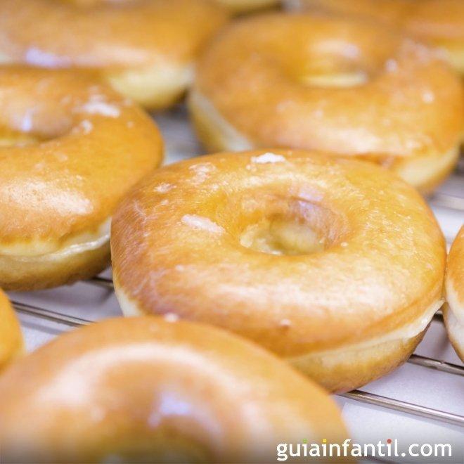 Donuts caseros para niños con margarina