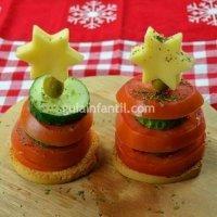 Canapés para niños con forma de árbol de Navidad