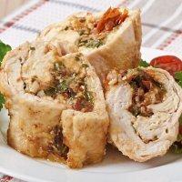 Rollitos de pollo con verduras. Receta sana para los niños