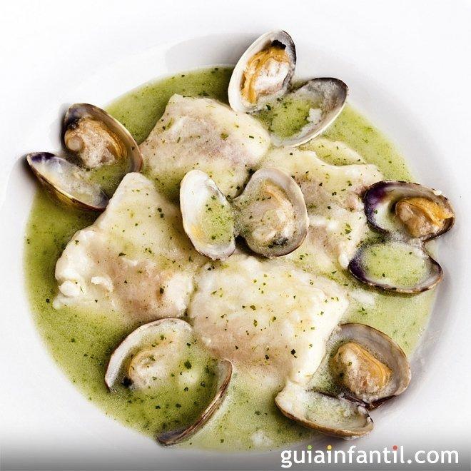 Merluza en salsa verde. Receta de pescado para niños