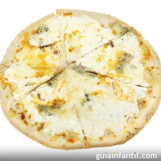 Pizza cuatro quesos. Receta italiana para niños
