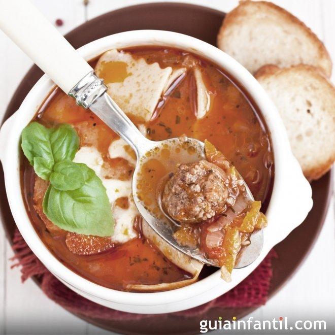 Sopa de lasaña. Receta de pasta para niños