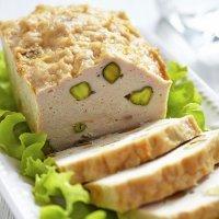 Terrina de pollo con pistachos. Receta fácil para niños
