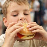 Recetas de hamburguesas y albóndigas de pescado para niños