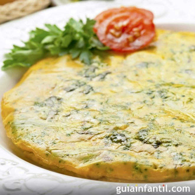 Tortilla de brócoli. Receta con verduras para niños