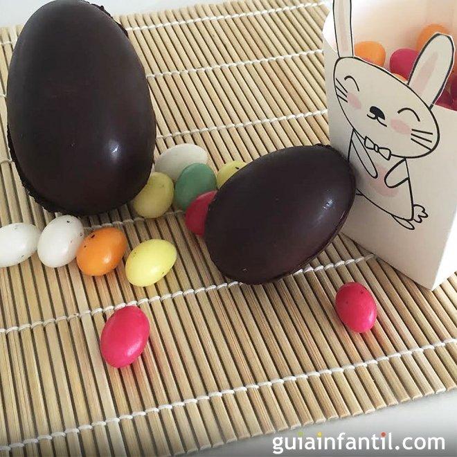 Huevos de Pascua de chocolate para los niños. Receta casera
