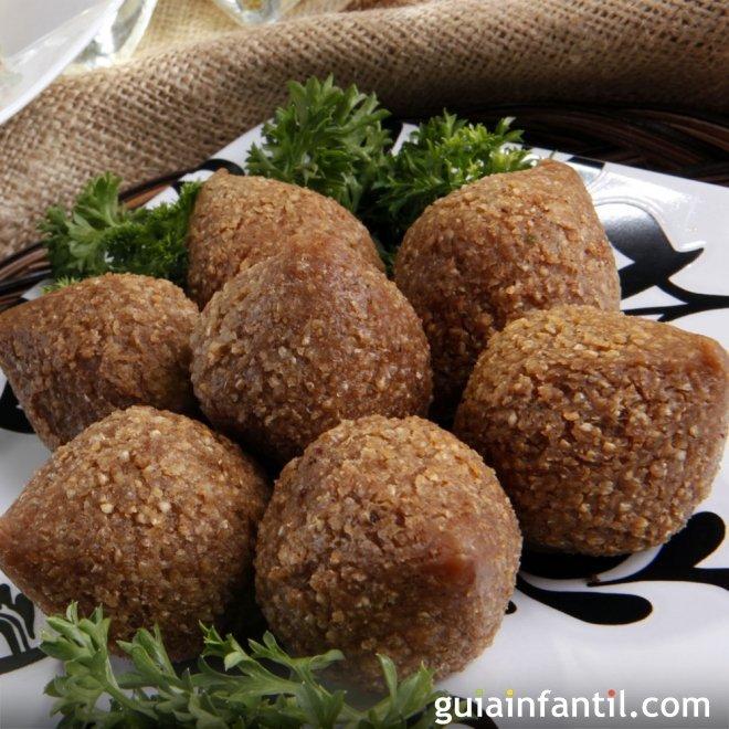 Receta de Kibbe, kibe o kibbeh. Comida libanesa