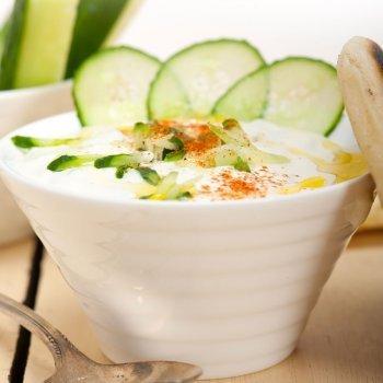 Salsa griega de yogur y pepino