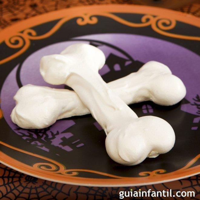 Huesos de merengue para Halloween. Receta para niños