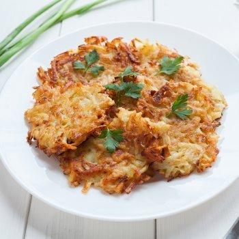Latkes o buñuelos de patata