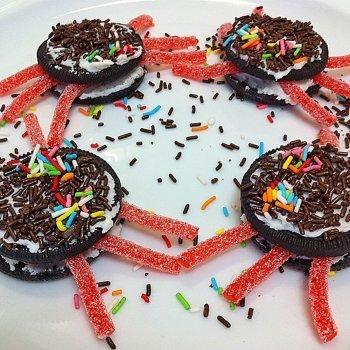 Arañas de galleta y golosinas