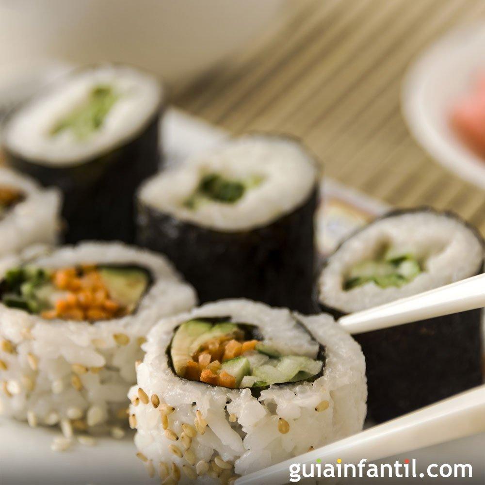 Sushi de salm n receta f cil para hacer en casa for Platos faciles de cocinar