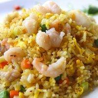 Arroz chino tres delicias. Receta oriental para niños