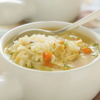 Sopa de arroz con zanahoria
