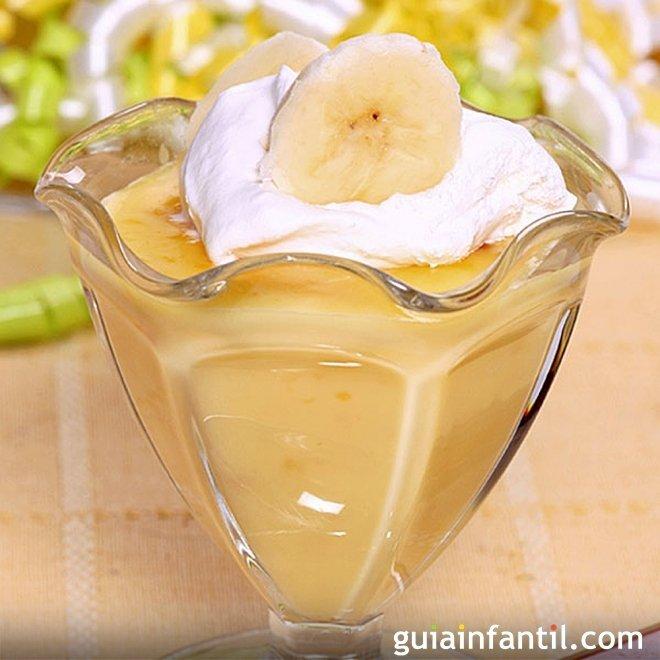 Mousse de plátano, postre dulce y ligero