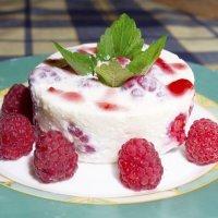 Tarta de yogur de soja con frambuesas