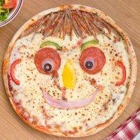 Pizza con cara de papá para celebrar el Día del Padre