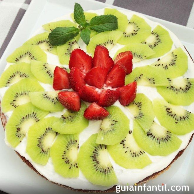 Carpaccio de fresa y kiwi. Merienda y postre de primavera para los niños