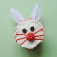 Muffins de zanahoria con conejito de Pascua