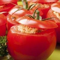 Tomates rellenos de atún y pomodoro italiano