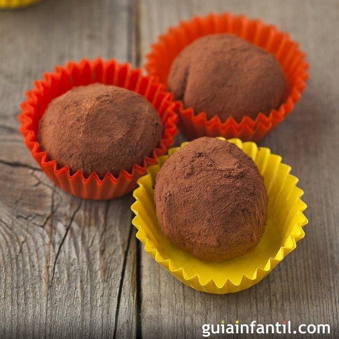 Trufas caseras de chocolate. Un postre muy familiar