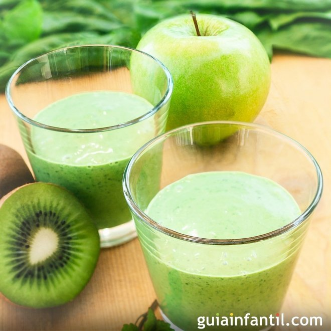 Batido refrescante de kiwi y manzana