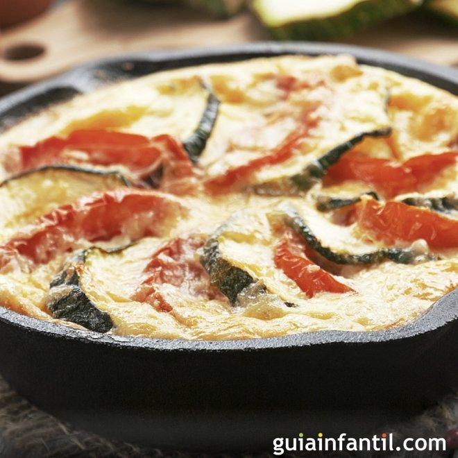 Tortilla de calabacín, tomate y queso. Receta para niños