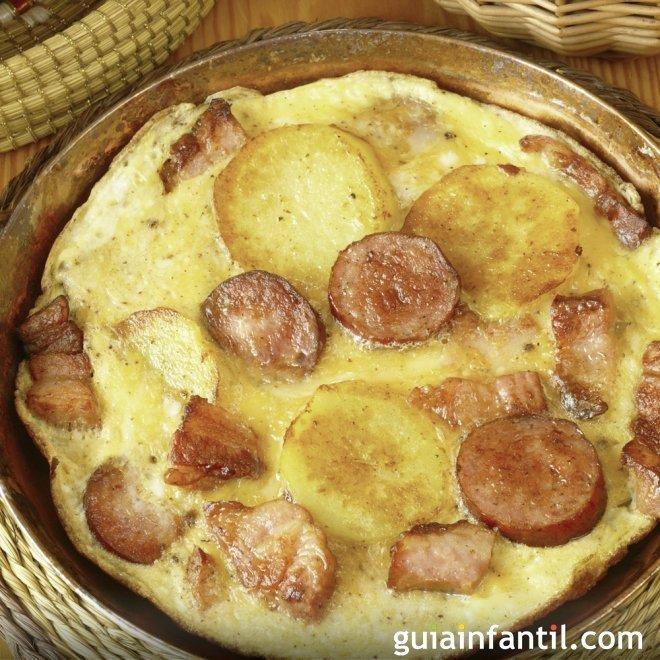Tortilla de patatas con chorizo. Recetas para niños