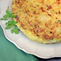 Tortilla de patatas rellena de bonito. Recetas para niños