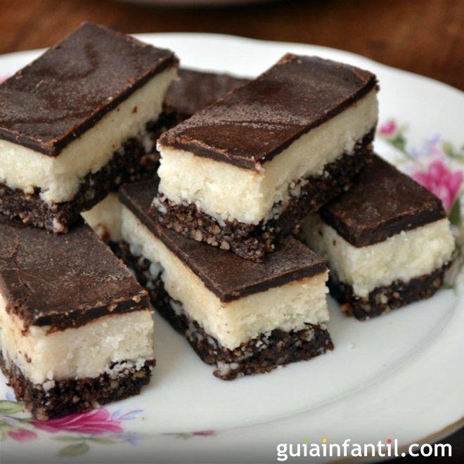 Barritas de coco y chocolate. Postre sin gluten para niños