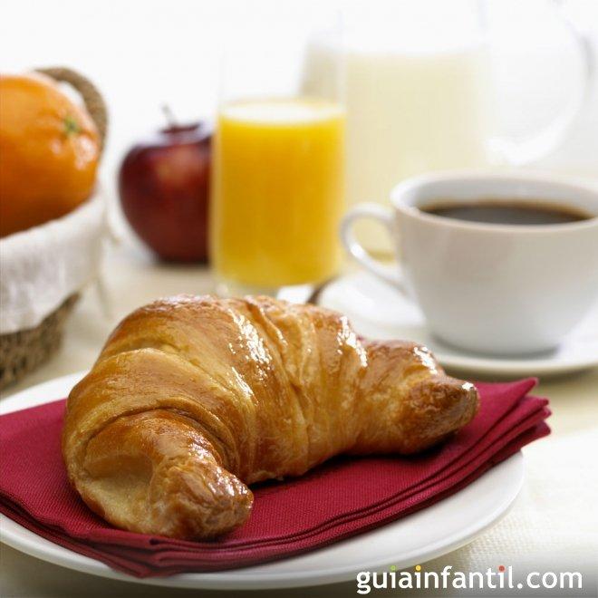 Croissant francés. Recetas para el desayuno de los niños